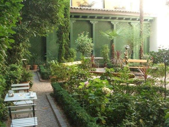 cafe-del-jardin-del-museo-del-romanticismo-L-sRaBf9
