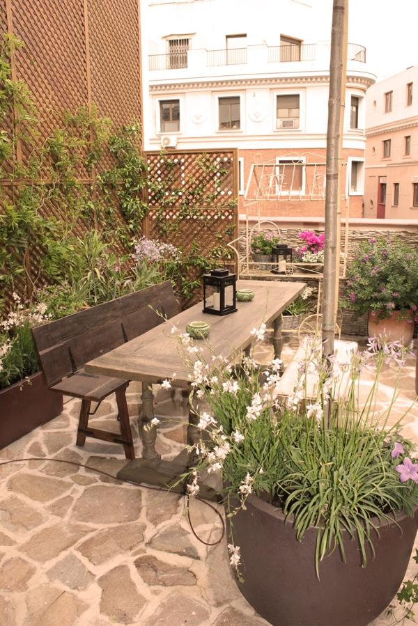 Terrazas con encanto la esquina sin luz for El jardin secreto salvador bachiller